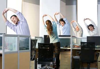 3 Exercise which Could Do at Office to Relieve Back Pain